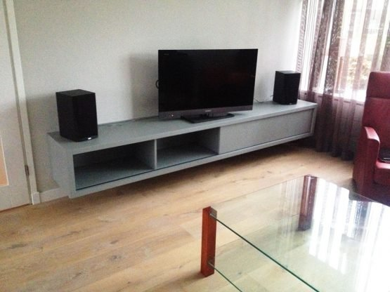 DIY floating TV cabinet 'ArturoXL' made by