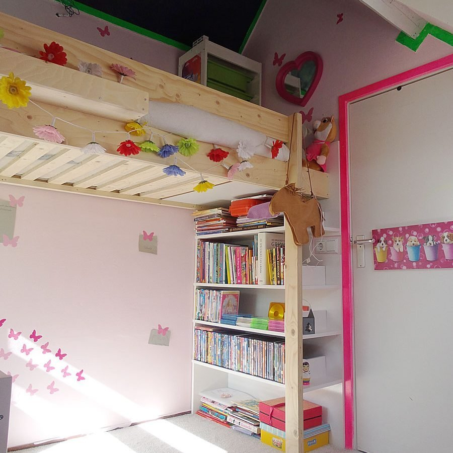 DIY loft bed 'Ana' by Eveline