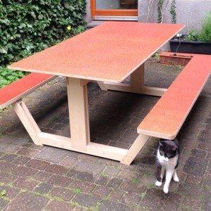 DIY design picnic table 'Ordesa' made by