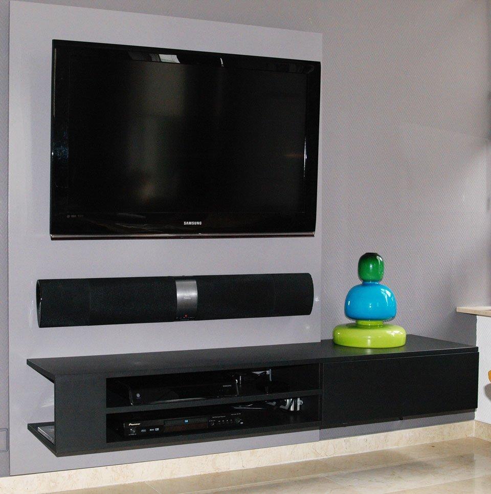 DIY hanging TV cabinet 'Jordi' made by