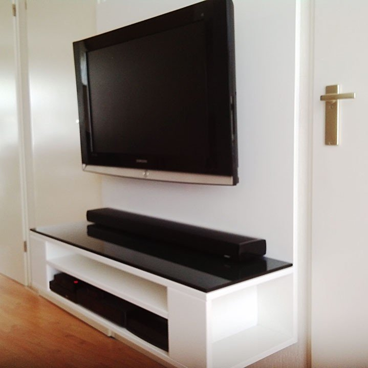 Photo DIY TV cabinet 'Penelope' by