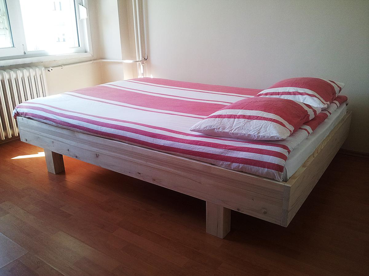 Photo DIY double bed 'Azobe' by