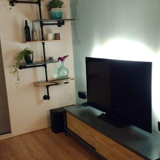 DIY-tv-stand-Arturo-Lutina
