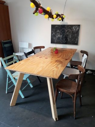 Table Teruel made by Marloes of underlayment