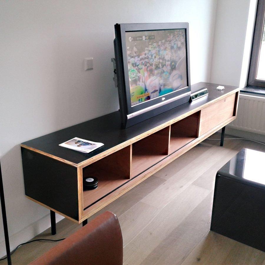 DIY-tv-stand-ArturoXL-Stefan