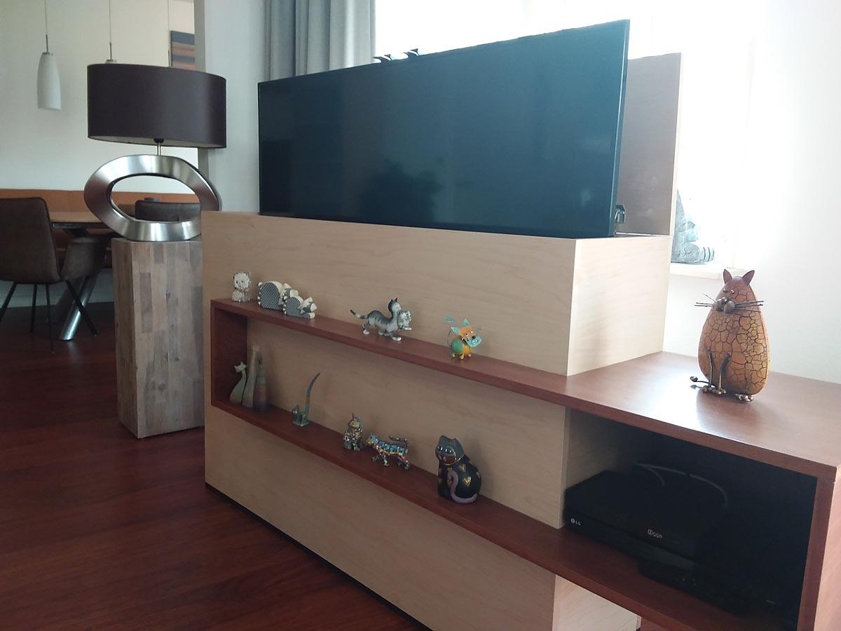 DIY TV-cabinet-Astor-built by-Frank